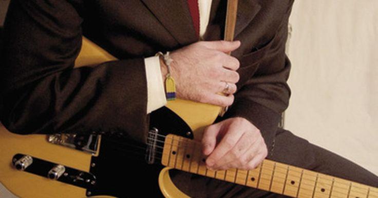 Qué género de música canta Michael Buble. Nacido en Burnaby, British Columbia, Canadá, en 1975, Michael Buble desarrolló su amor por la música de su abuelo, quien le introdujo en las canciones de la era del swing. Buble es actualmente uno de los cantantes más populares y respetados de la música contemporánea, ya que usa su voz suave para llenar de emoción canciones escritas en varios ...