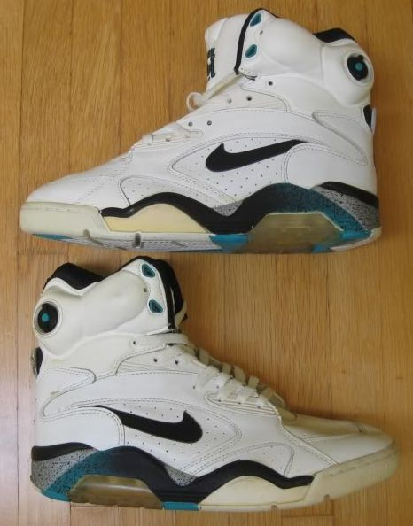 Nike 180 Command Force Pump sneakers