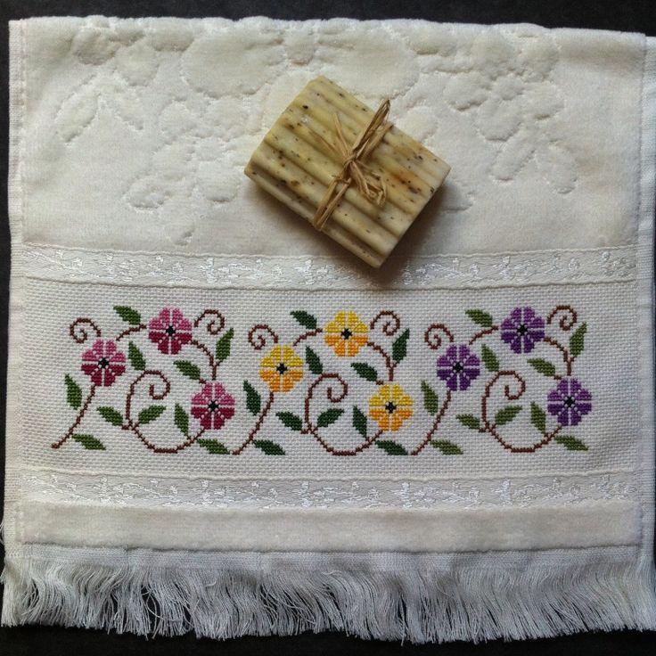30x50 cm havlu. Desen Sevgili Filiz Türkocağı tasarımı. Kendisine sevgilerimi sunuyorum. instagram hesabım : kanavicelerim #kanaviçe #crossstitch #handmade
