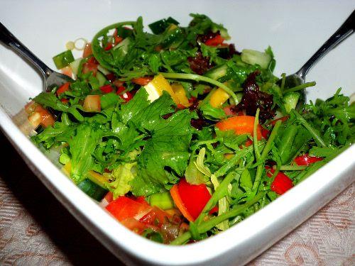 Delicious Vegan Tossed Salad :http://sweetlyradiant.com/delicious-vegan-tossed-salad/