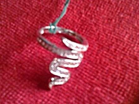 Anello Snake - Stelle Scricciole Anello a forma di serpente in argento 925 tempestato di zirconi. A soli  30,00 €