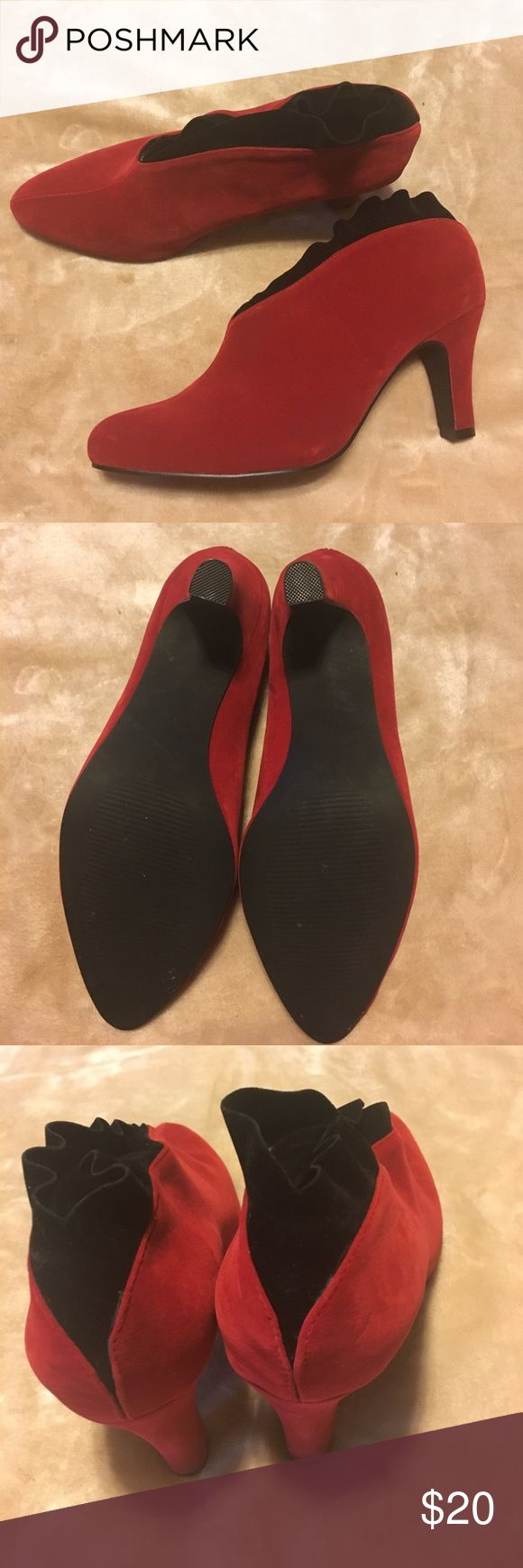 Andiamo marci ankle boots red and black 5.5 Andiamo Marci red black ruffled ankle boots andiamo Shoes Ankle Boots & Booties