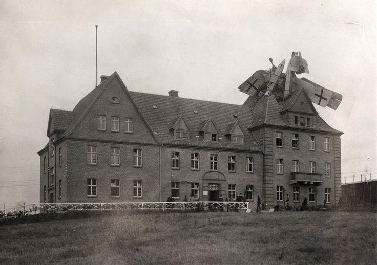 Schöner Wohnen Tapete Concrete : Deutsches Wasserflugzeug, das 1918 ...