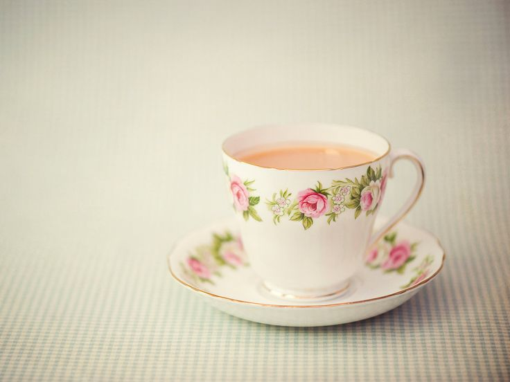 Study Suggests People Who Drink Tea Are More Creative | Two active ingredients in tea will give your cognitive powers a big boost.
