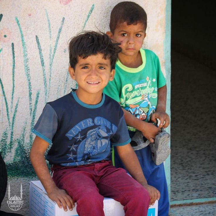 Two children sit with their #Ramadan food package in #Jordan given by Islamic Relief. http://ift.tt/2sWvPME