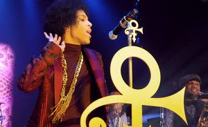Michael Eavis says Prince pulled out of Glastonbury negotiations due to social media rumours | News | NME.COM