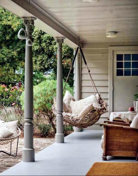 Подвесные кресла – качели в интерьере