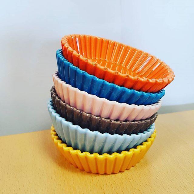 Cute little cookware ramekins! #RediscoverColour #HughJordan #Cookware #Colourful #Baking