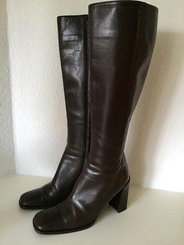 Mein GUCCI Leder Stiefel Braun 37 Kniehoch 8cm Absatz Business Boots Brown Leather L von Gucci. Größe 37 für 129,00 €. Schau es dir an: http://www.kleiderkreisel.de/damenschuhe/kniehohe-schuhe/157232006-gucci-leder-stiefel-braun-37-kniehoch-8cm-absatz-business-boots-brown-leather-l.