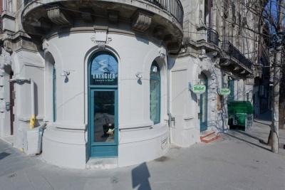 """Experimentul urban """"abandonarea biroului"""" pentru un brainstorming la Energiea. http://www.iqads.ro/advertorial/chiul_creativ_la_bere_in_energiea.html"""