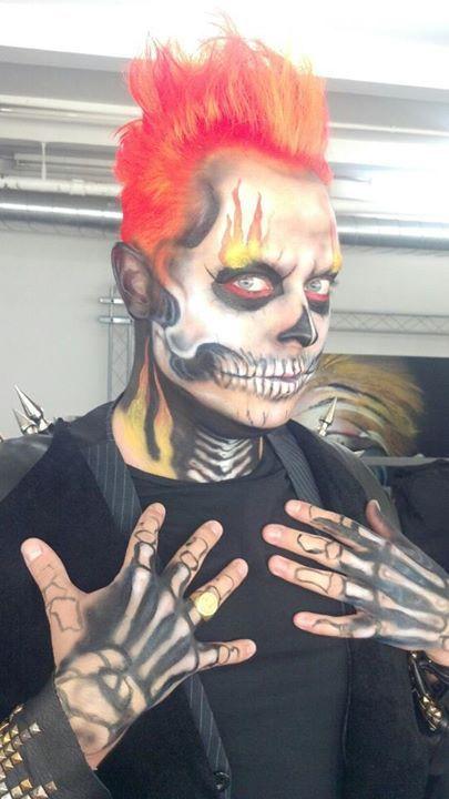 men's Halloween makeup