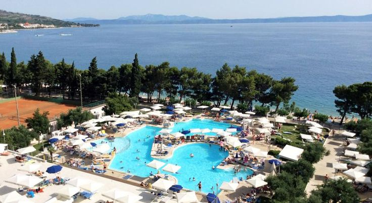 Bluesun Hotel Neptun - All Inclusive Tucepi Renovated for the summer season of 2014, Bluesun Hotel Neptun offers an all-inclusive service with a variety of activities and a large outdoor pool.