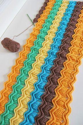 Tığ işi dalgalı bebek battaniyesi modeli