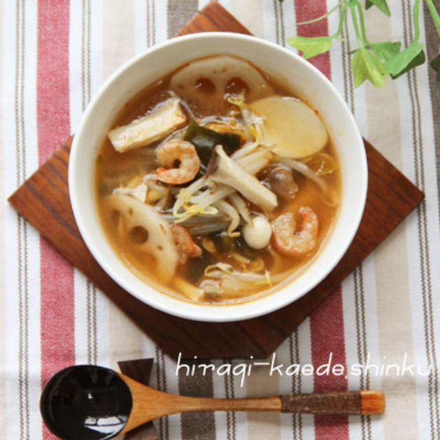 脂肪燃焼デトックス!たっぷりきのこと根菜もやしキムチスープ
