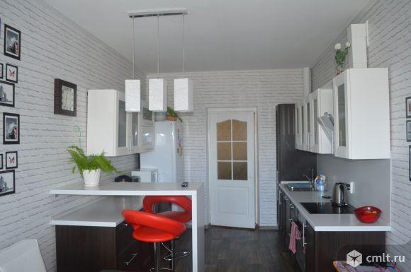 Стильная кухня с барной стойкой, 16 кв.м #kitchen