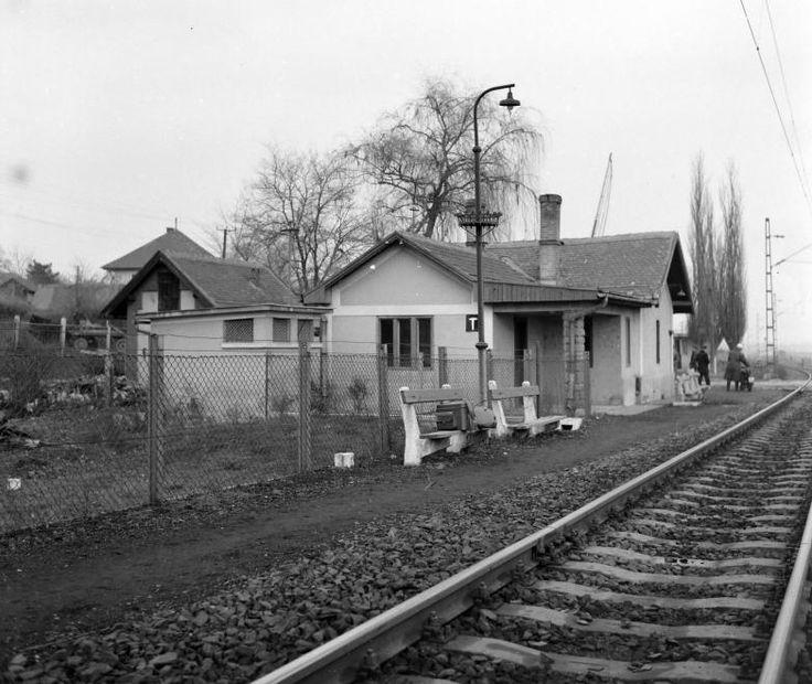 Hejőcsaba, vasútállomás.