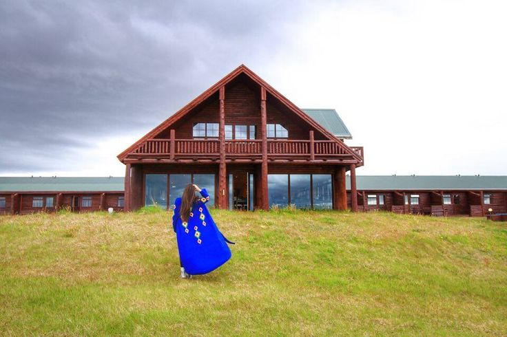 Hotel Ranga is one of the best hotels in Iceland. A typical Icelandic building, with only one floor, makes us think that we arrived in front of a locals house, not a hotel. Wood everywhere, a rustic atmosphere and a log cabin architecture, with large rooms along the building, with stunning views towards the magnificent southern Iceland landscape. It looks like a tranquility oasis!