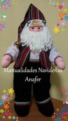Papá Noel Andino . Diseñado con los colores de nuestro hermoso Perú. Cosido a mano.  Medida: 75cm de alto.