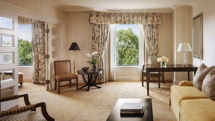 Garden-View Executive Suite | Boston Luxury Hotel | Four Seasons Boston