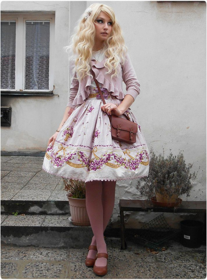 Violets inside Mansions (by Rabbit Heart)  My outfit for Christmas lolita meet-up in Prague ♥