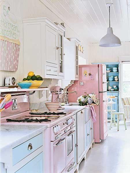 kitchenKitchens Design, Dreams Kitchens, Vintage Kitchens, Pastel Kitchens, Shabby Chic Kitchens, Pink Kitchens, Kitchen Designs, Dream Kitchens, Retro Kitchens