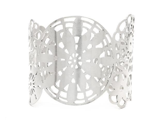 PETRA SCHOU, stiff bracelet, sterlingsilver. Item 1011409. Contemporary – Saturday 22 March 2014.