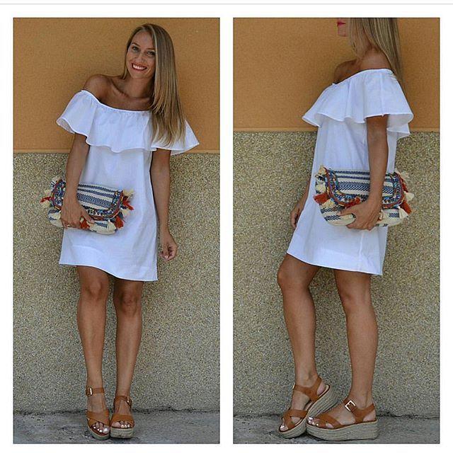 No nos puede gustar más @didiquic con nuestro #Vestido Hombros Descubiertos Blanco . Puedes estar igual de preciosa que ella por 19,50€ Disponible en www.chollomoda.com