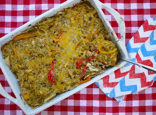 Potluck Chicken Fajita Casserole- my go to recipe for parties | Recipe from Weelicious.com
