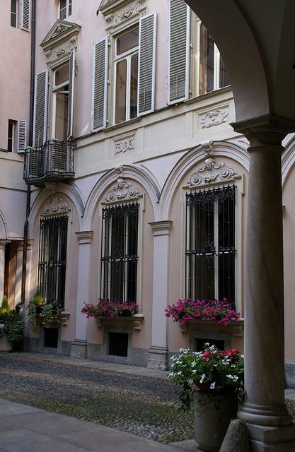 Torino, Via delle Orfane, Palazzo della Società Reale Mutua di Assicurazioni