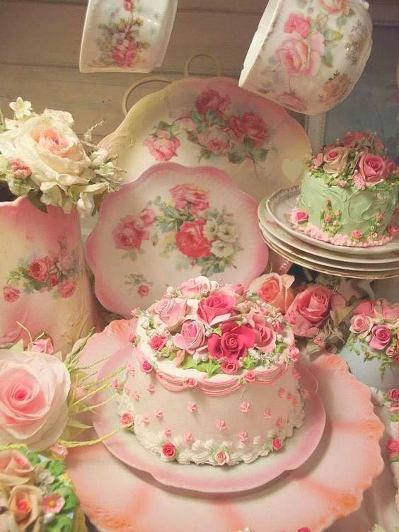 Shabby Chic - Tea Time with cake decorated with Roses