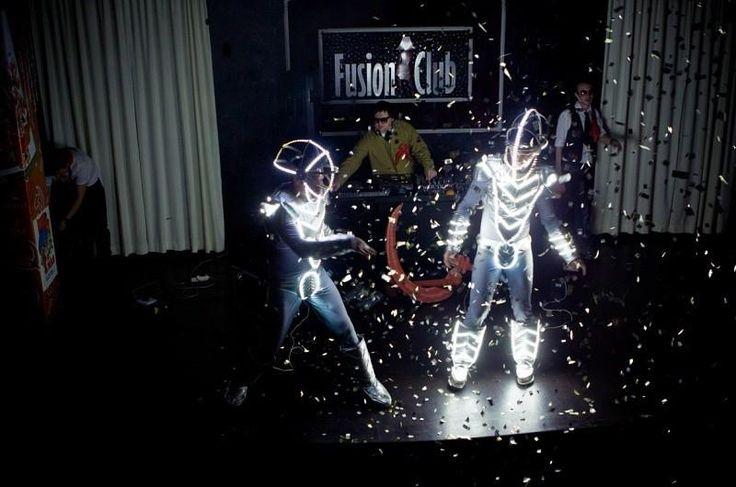 Световые костюмы используя светодиодную ленту