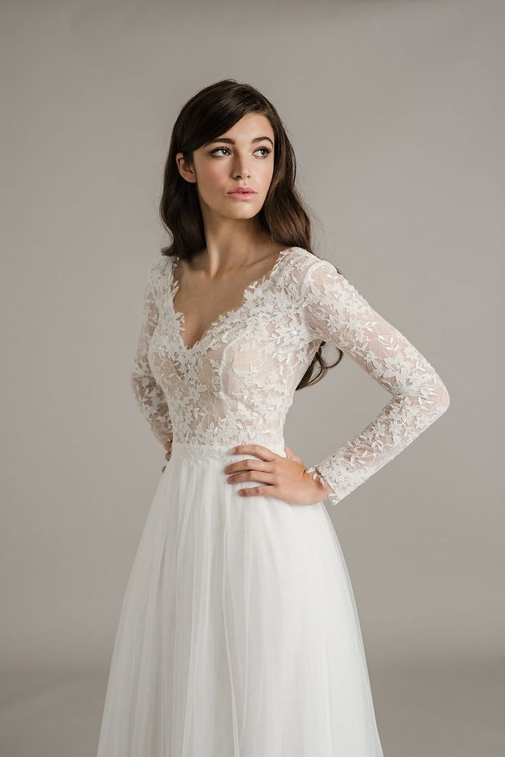 Awesome 50 Elegant Long Sleeves Dress Ideas Suitable For Prom. More at http://trendwear4you.com/2018/02/23/50-elegant-long-sleeves-dress-ideas-suitable-prom/