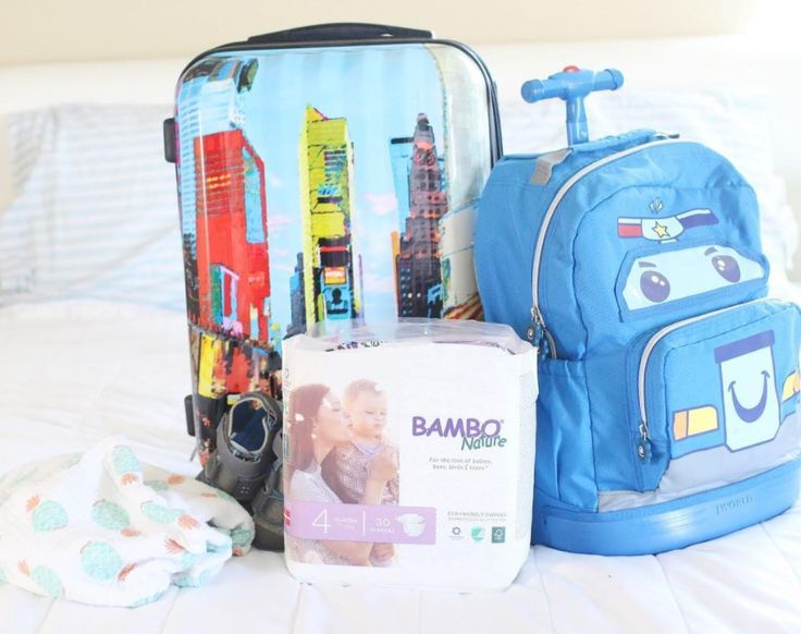 Perfect luggage and kids rolling backpack for a family trip! Photo by @AshPeavey  Shop at www.jworldstore.com  #JWorldNewYork #travel #bags #luggage #kidsbags #rollingbackpacks #familytrip #shop #accessories #가방 #러기지 #키즈가방 #여행 #가족여행