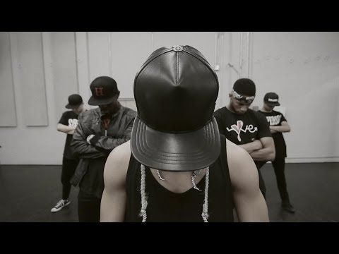 ▶ TAEYANG - RINGA LINGA Dance Performance - YouTube — Love me some Taeyang! He and the dancers are killing Parris' choreo!