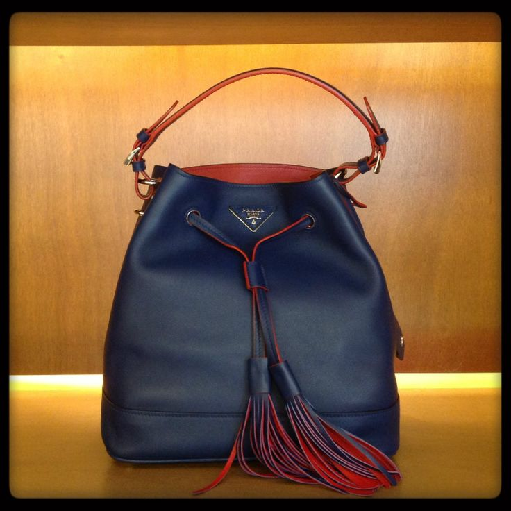 Prada #secchiello #bluette #leather #bag #SpringSummer #FolliFollie #collection