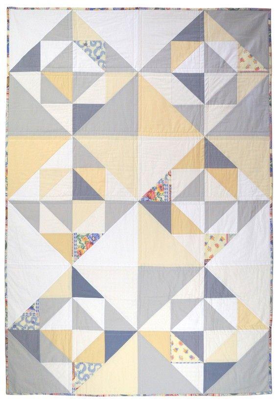 VENTE - 30 % de réduction - demi carré Triangles tour ou un lit de bébé couette