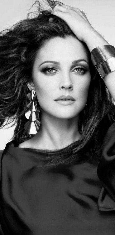 Absolutely stunning!  Love Drew Barrymore as a brunette.