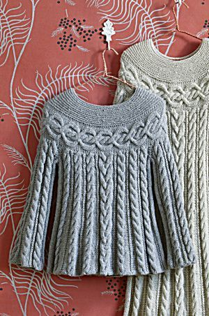 Generell toll bei Oberteilen: In der Breite betonte Schulterpartie, querliegende Muster auf Schulterhöhe.  Free Knitting Pattern Cable Luxe Go to http://pinterest.com/DUTCHYLADY/share-the-best-free-patterns-to-knit/ for more than 1500 FREE patterns to KNIT