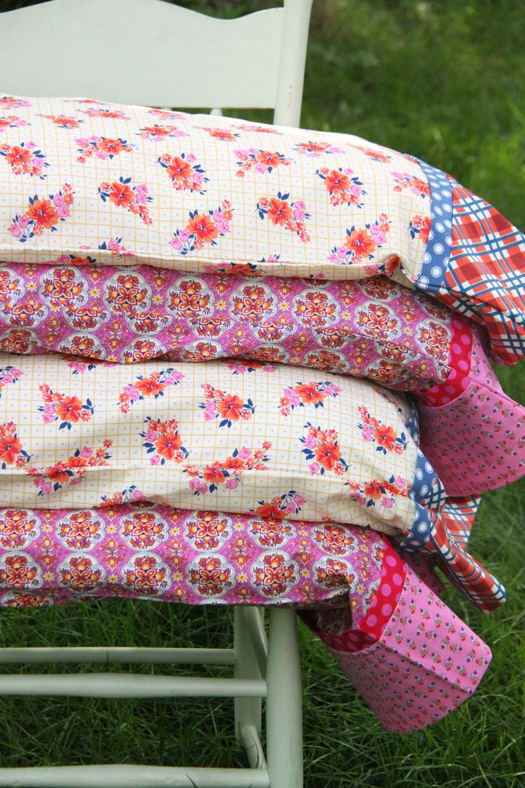 How to make a set of Pillowcases with French Seams in under 30 minutes! These are so cute!