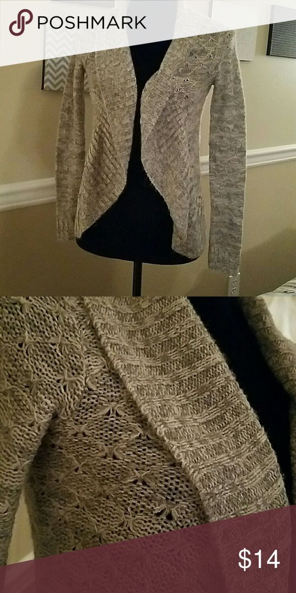 Heather grey sweater shawl Great condition, heathered grey/white Sweaters Shrugs & Ponchos