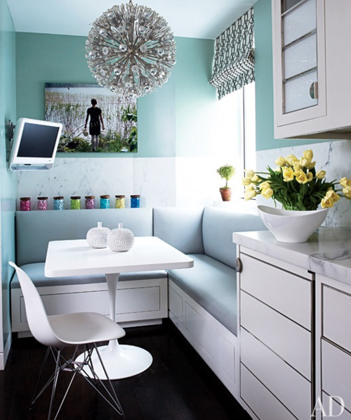 klasse Idee: die Ecke der Küchenzeile zur Sitzecke umfunktionieren