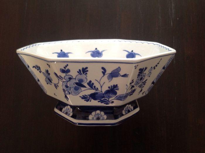 Porceleyne Fles - octagonale sierkom met bloemenmotief