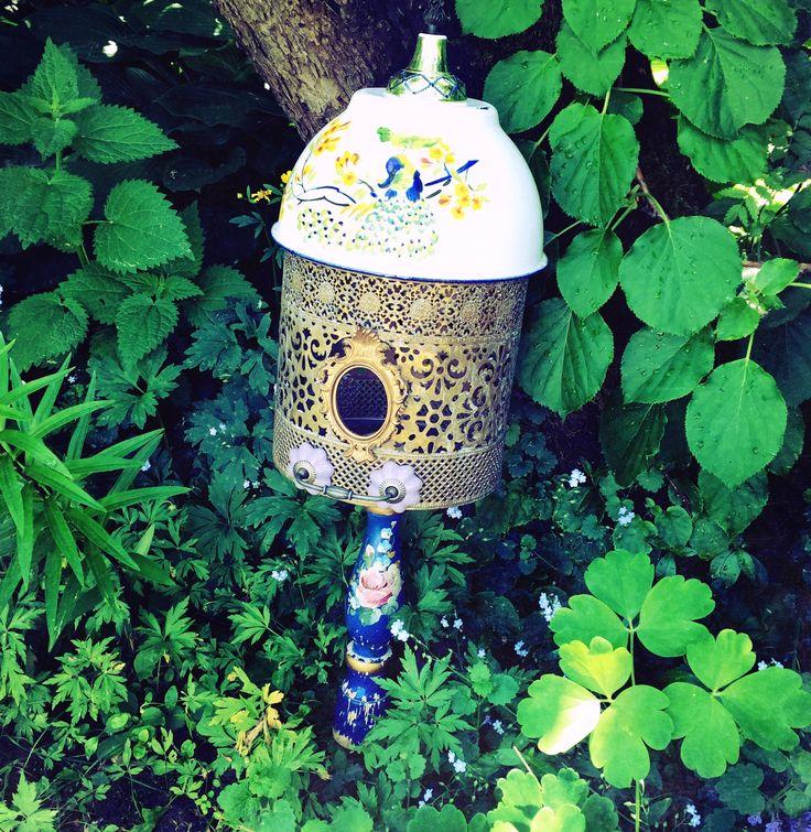 Birdfeeder - Birdhouse from used material DIY