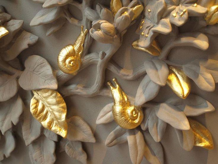 Записки дизайнера: шедевры лепнины в окне одного красивого дома