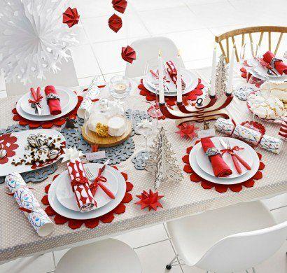 festliche-Tischdeko-Weihnachten-weiß-rote-Akzente