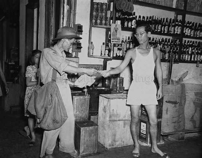 It Is Business As Usual For This Postman Delivering Mail After A 13 Day Postal Strike Called By The Singapore Singapore Photos Photographs And Memories Postman