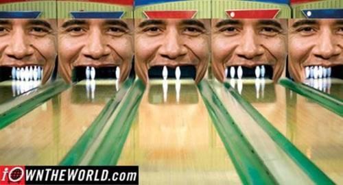 hahahhahah! Obama bowling! :)