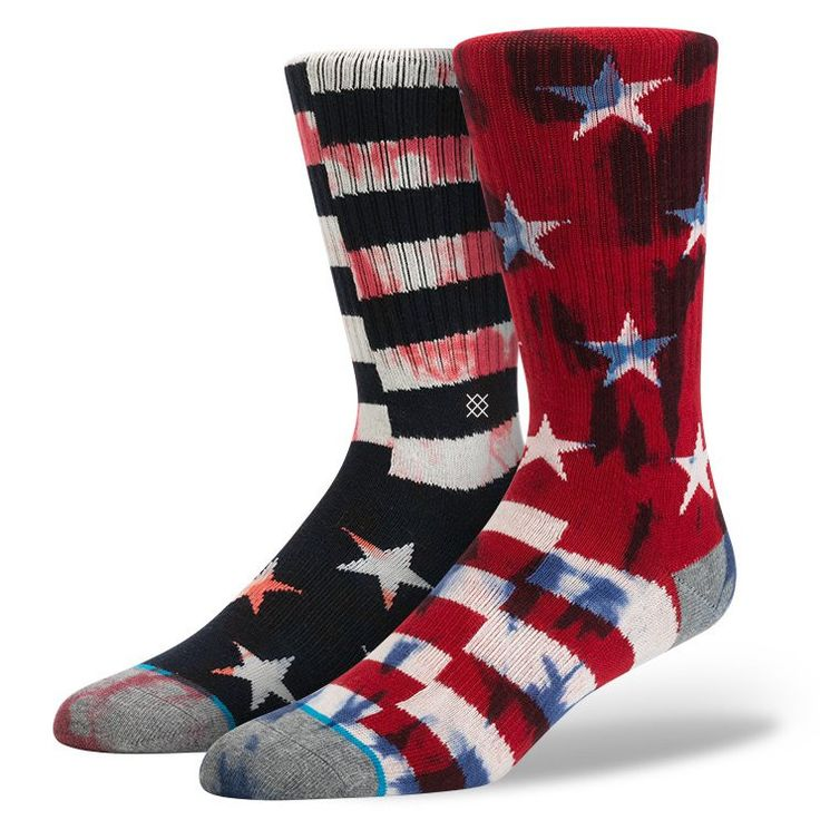 Fly the flag with Stance's Sidereal. Thanks to its deep heel pocket and plush combed cotton, this classic crew sock surrounds feet in luxury. Its light cushioning provides a smooth ride while a reinfo