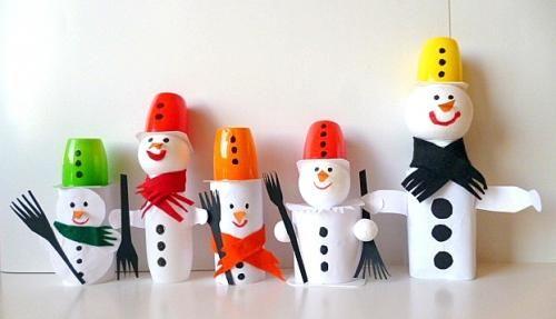 Weihnachten alt/basteln-Schneemaenner-Fruchtzwergbecher
