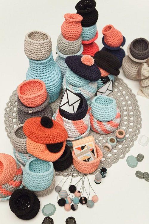 Source: http://lastejeymaneje.blogspot.com.es/2014/12/molla-mills-crochetterie.html